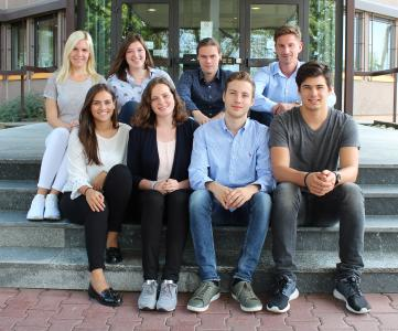 These eight young women and men start their training in trans-o-flex's headquarters in Weinheim