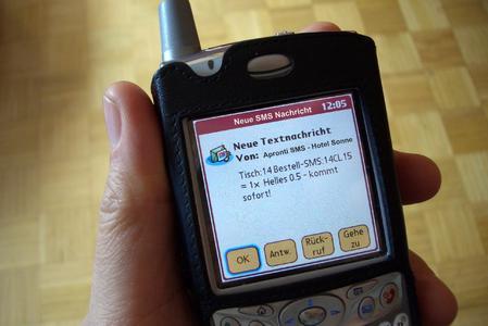Apronti SMS - wie Raucher auf der Straße bedient werden können.