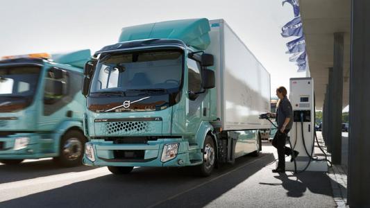 Für Lkw mit elektrischem Antrieb wurde eine Kaufprämie für bis zu 80 % der Mehrkosten gegenüber einem Diesel-Lkw beschlossen