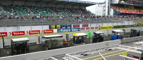 Ruckus Wireless beim 24-Stunden-Rennen von Le Mans (Boxengasse)