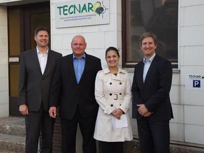 (v.l.) Dr. Lars Ziegler, Jürgen Pfitzer, Claudia Cappra (Braskem), Helmut Nägele nach der Vertragsunterzeichnung
