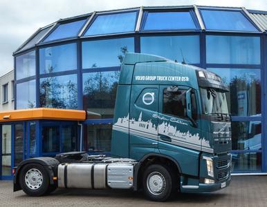 Innovation und Kunst: Der Skyline Truck bietet mit der Skyline Schwerins eine tolle Optik.
