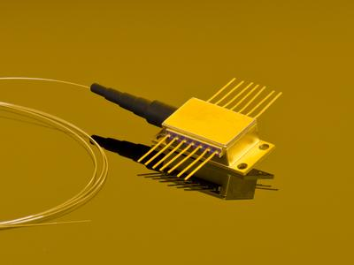 Fiber coupled high power laser diodes at 635 nm
