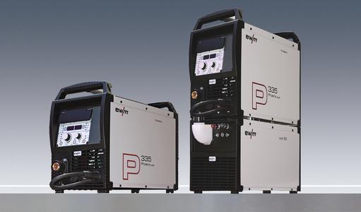 Kompakt im leichten und ergonomischen Kunststoffgehäuse, einfach zu bedienen. Die Phoenix 335 puls ist das ideale Gerät für Baustelle, Montage, Werkstatt und Produktionshalle (Foto: EWM )