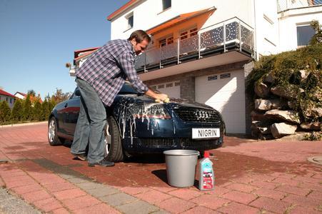 Die Umwelthüter der Nation sind übrigens die Baden-Württemberger. 87 Prozent von ihnen geben an, bei der Fahrzeugpflege die Umwelt schonen zu wollen.