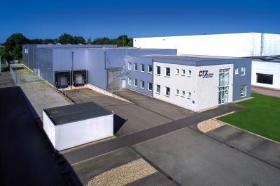 CTX: Die neue energieeffiziente KfW-55-Lagerhalle mit beweglichem Hochregalsystem erweitert die Lagerkapazität um zusätzliche 2.650 Paletten
