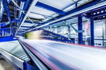 Bis zu 16.000 Pakete bearbeitet der HC Sorter von VanRiet bei Geis pro Stunde. (Foto: Geis)