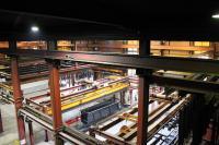 In der gigantischen Spezialanlage für Lohnbeschichtung der WOB-Wessling Oberflächenveredlung GmbH (WOB) sind verschiedene Energieführungssysteme von TSUBAKI KABELSCHLEPP verbaut, die der Hersteller im Rahmen seines exklusiven Instandhaltungs-Service im jährlichen Turnus inspiziert und wartet