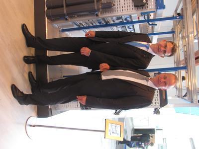 (v.l.n.r.) Reinhold Braun, Geschäftsführer der Sortimo International GmbH, und Oliver Schnug, Bereichsleitung von LeasePlan Go, stellten auf der IAA Nutzfahrzeuge in Hannover dem Fachpublikum die Vorteile der Kooperation  vor