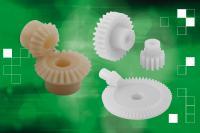 Zahn- und Kegelräder aus Kunststoff sind neu im Sortiment von norelem – sie sind die leichte, aber dennoch robuste Alternative zu Stahl-Modellen.