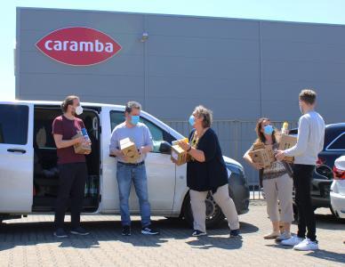 Die Mitarbeiter von Immersatt freuten sich über Caramba Produkte. Foto: Caramba