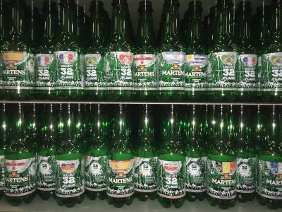 Direct Print Powered by KHS™ bietet Getränkeproduzenten große Flexibilität beim Design – so wie der belgischen Brauerei Martens, die zur Fußballweltmeisterschaft besonders gestaltete Flaschen auf den Markt bringt.