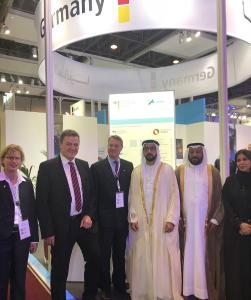Barbara Stöckmann (Respondent of the Association of the German Trade Fair Industry - AUMA, left), Prof. Dr.-Ing. Heinrich Flegel (DVS President, 2nd left), Günter Rauer (Consul General, 3rd left) ,  Sheikh Fahim Bin Sultan Al Quasimi (Chairman of the Department of Government Relations, 3rd right), HE Abdullah Bin Sultan Al Owais (Chairman of the Sharjah Chamber of Commerce and Industry and Chairman of the Expo Centre Sharjah, 2nd right), Mrs. Raghda Hamad Omran Taryam (Board Member, SCCI)