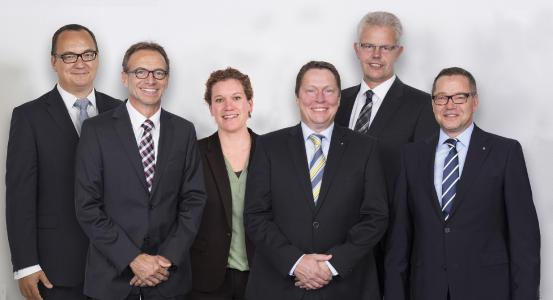 Die WAGO-Geschäftsleitung (von links): Christian Sallach (Chief Marketing Officer), Jürgen Schäfer (Chief Sales Officer), Kathrin Pogrzeba (Chief Human Resources Officer), Sven Hohorst (Chief Executive Officer), Ulrich Bohling (Chief Operating Officer) und Axel Börner (Chief Financial Officer)