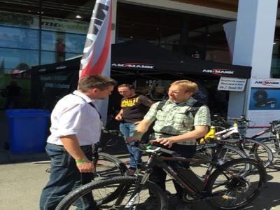 Die ANSMANN AG präsentiert Weltneuheiten auf der führenden Fahrradmesse