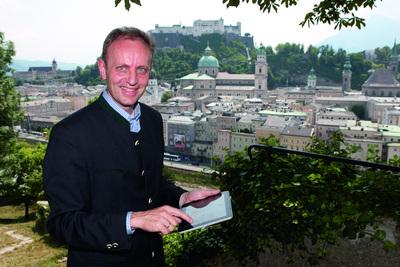 Geschäftsführer Univ.-Doz. Dr. Siegfried Reich ist Stolz auf die neueste Entwicklung seines Teams