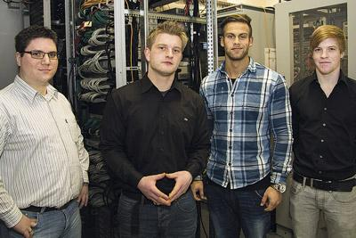 (from left to right) Tim Otterbach: Instructor at QOSIT, Andreas Gerlach: Instructor at G&D, Thilo Klein: Apprentice at QOSIT, Florian Waffenschmidt: Apprentice at QOSIT