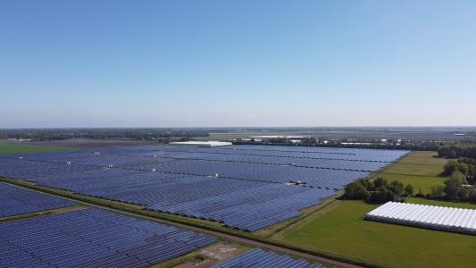 The largest solar park in the Netherlands now operates in Midden-Groningen