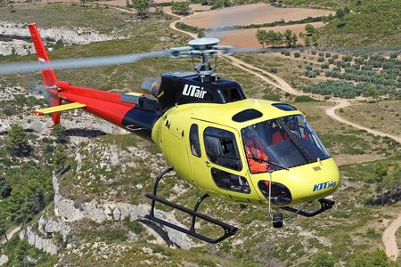 AS350 B3e in flight  (© Copyright Eurocopter, Anthony Pecchi)