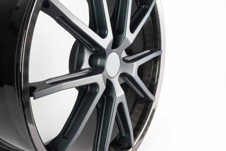 First carbon car wheel for private customers from thyssenkrupp Carbon Components