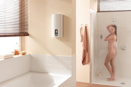 Raus aus den Sachen,rein in die Dusche- und: Wasser marsch.Sofort prasselt wohlig warmes Wasser auf den Körper-so wie hier mit dem vollelektronischen Spitzenmodell DHE von STIEBEL ELTRON.UndGeld kann man auch noch sparen-bis zu 150EUR pro J