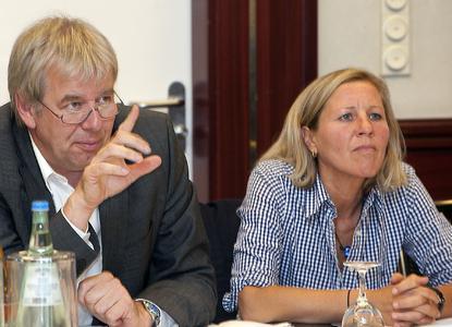 Im Rahmen der iGZ-Fachtagung Weiterbildung in Hannover wies der stellvertretende iGZ-Bundesvorsitzende Holger Piening mit Blick auf den Fachkräftemangel auf die Notwendigkeit der Qualifizierung von Zeitarbeitnehmern hin