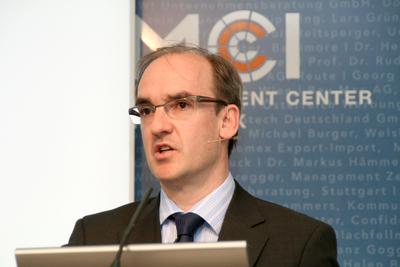 Dr. Hanns-Ferdinand Müller, Vorstand des norddeutschen Energieversorgers RWE, sprach vor wenigen Tagen am MCI / © MCI