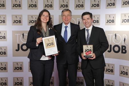 MID erhält das Top-Job-Gütesiegel (von links nach rechts: Sylvia Leipold, Leiterin HR MID GmbH; Wolfgang Clement, Mentor Top Job Mittelstand; Jürgen Leuschel, Geschäftsführer MID GmbH)