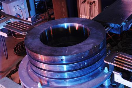 4-Brenner-Anlage zum mechanisierten Schweißen am drehenden Bauteil mit Wandstärken bis 250 Millimeter Foto : Polysoude