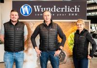 Deputy Head of Marketing Sven Cremer (left) Wunderlich Managing Director Frank Hoffmann (centre) and the new Head of Marketing Johanna Dewitz (right)