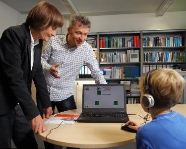 Die Forscher um Maria Klatte und Thomas Lachmann haben das Computerprogramm entwickelt, Foto: Thomas Koziel