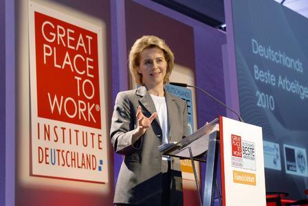 Bundesarbeitsministerin Dr. Ursula von der Leyen würdigte Deutschlands beste Arbeitgeber 2010 bei der feierlichen Gala in Berlin., Foto: Great Place to Work Institute