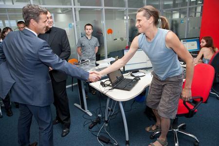 Kronprinz Frederik begrüßt Mitarbeiter von Ciklum