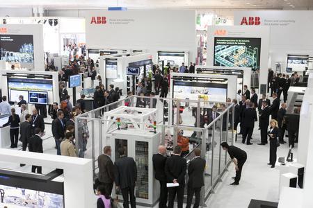 Auf der Hannover Messe 2012 präsentiert der Technologiekonzern ABB innovative Technologien zur Umsetzung der Energiewende sowie Produkte und Lösungen für mehr Energieeffizienz in der Fabrik- und Prozessautomatisierung