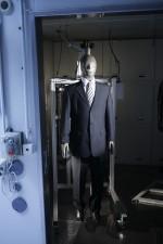 """Mit """"Sherlock"""" lassen sich die Wärmeisolation und die Atmungsaktivität von Bekleidung und Bürostühlen ermitteln / © Hohenstein Gruppe"""