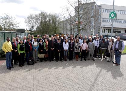 Internationaler Besuch bei CEWE: Teilnehmer der Sommerschule rund um Prof. Dr. Marx Goméz von der Carl von Ossietzky Universität Oldenburg zu Gast beim Foto-Dienstleister in Oldenburg