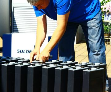 AS Solar: Installation des Speichersystems SOLiberty von Solon