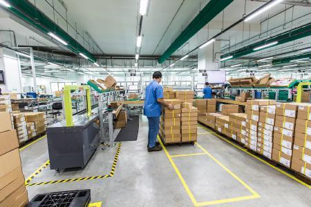 Das GDC in Singapur beliefert eine Vielzahl von Ländern im APAC-Raum. Ebenso versorgt es weitere Fabriken und Produktionsstätten von P+F mit Roh-, Hilfs- und Betriebsstoffen. Foto: Firefly Photography