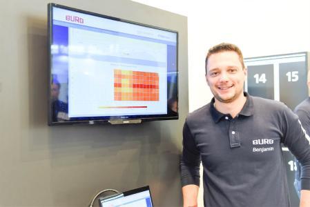 Am Messestand präsentierte Benjamin Frisch, Vertriebs- und Marketingleiter bei BURG, die Möglichkeiten zur digitalen Überwachung von Schließsystemen