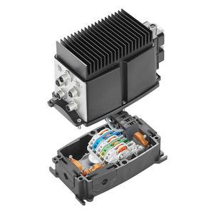 Der MONO-SWITCH Field Power® aufgesteckt auf die Power-Box