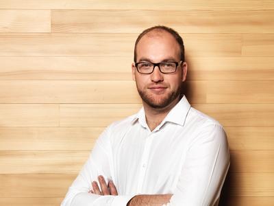 proHolzBW ist eine GmbH und wird rechtlich von ihrem Geschäftsführer Dipl.-Ing. Hagen Maraun M.S. vertreten. Er ist im FORUM HOLZBAU in Ostfildern erreichbar unter 07 11/239 96 75 (Bild: proHolzBW, Ostfildern; www.proholzbw.de)