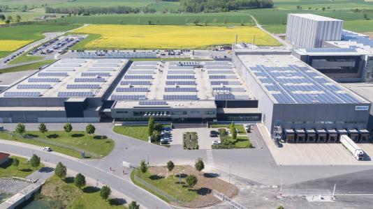 Der Hollenbacher ebm-papst Standort (das angrenzende Versandzentrum ist nicht im Bild) Foto: Torsten Pajonk.
