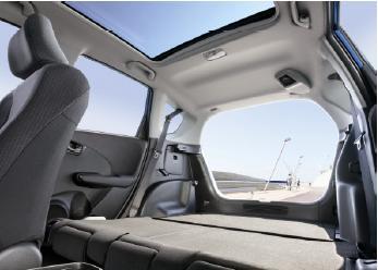 """Klassenprimus in Sachen Geräumigkeit und Variabilität: """"Magic Seats"""" machen den Honda Jazz zum Raumwunder"""