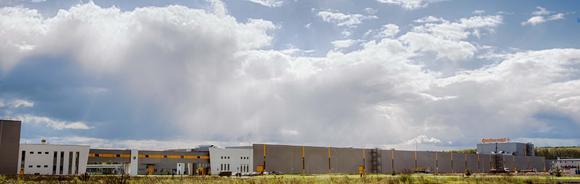 Panorama-Blick auf das neue Pkw-Reifenwerk in Kaluga, Russland - bereits am 29. Oktober 2013 fand die offizielle Werkseröffnung statt