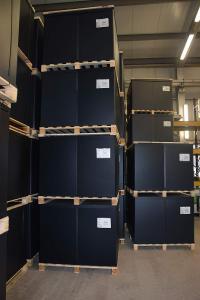 Sonderladungsträger für Firma bo parts gestapelt
