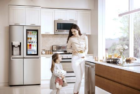 LGs InstaView-Door-in-Door-Kühlschrank ab sofort im deutschen Fachhandel verfügbar