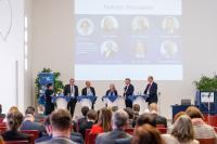 Auf der Bundeskonferenz 2019 der TransferAllianz diskutierten mehr als 200 Teil-nehmerinnen und Teilnehmern aus ganz Deutschland mit internationalen Expertinnen und Experten über Herausforderungen und Trends im modernen Wissens- und Tech-nologietransfer (Foto: TransferAllianz e.V.).