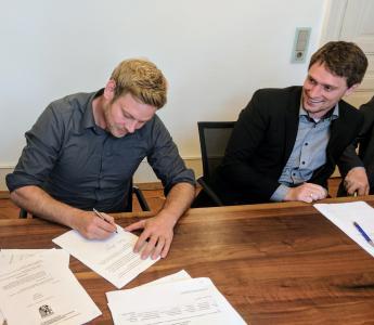 Hellmut Ruck GmbH beteiligt sich an pododesk
