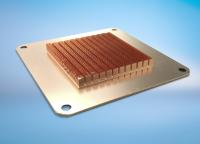 Die leistungsstarken Skived Fin Kühlkörper von CTX verfügen über besonders feine Rippen und eine hohe Rippendichte. Die Lamellen sind nahtlos mit dem Kühlkörper verbunden