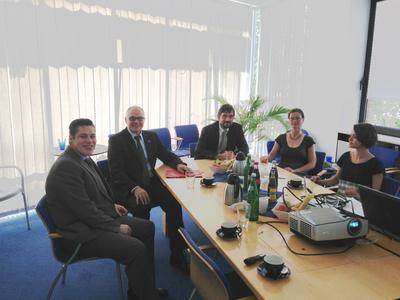 Staatssekretär Horst Westerfeld informiert sich bei intelligent views